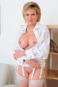 Порно актриса Lady Sonia