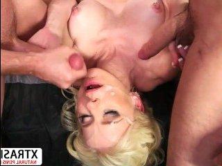 Порно видео зрелых женщин hd с молодыми развратными парнями