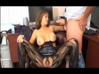 Секс зрелой мачехи с молодым пасынком