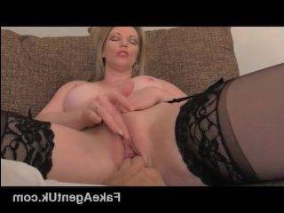 Молодая мама на порно кастинге трахается с агентом