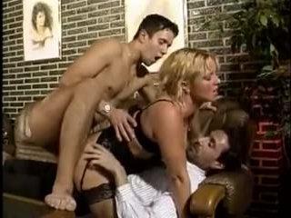 Секс видео зрелых баб, которые не прочь поебаться сразу с двумя мужиками
