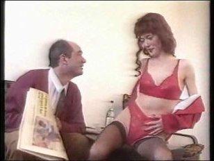 Сербское ретро порно зрелых бесплатно: после прогулки мужик и женщина поебались