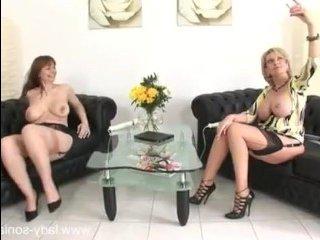 Порно зрелых толстых лесбиянок, которые обожают дрочить и кончать вместе